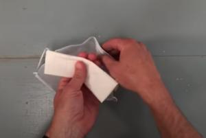 Comment plier un Kleenex pour antibuée masque